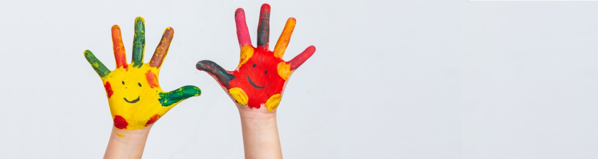 hands-child-who-smeared